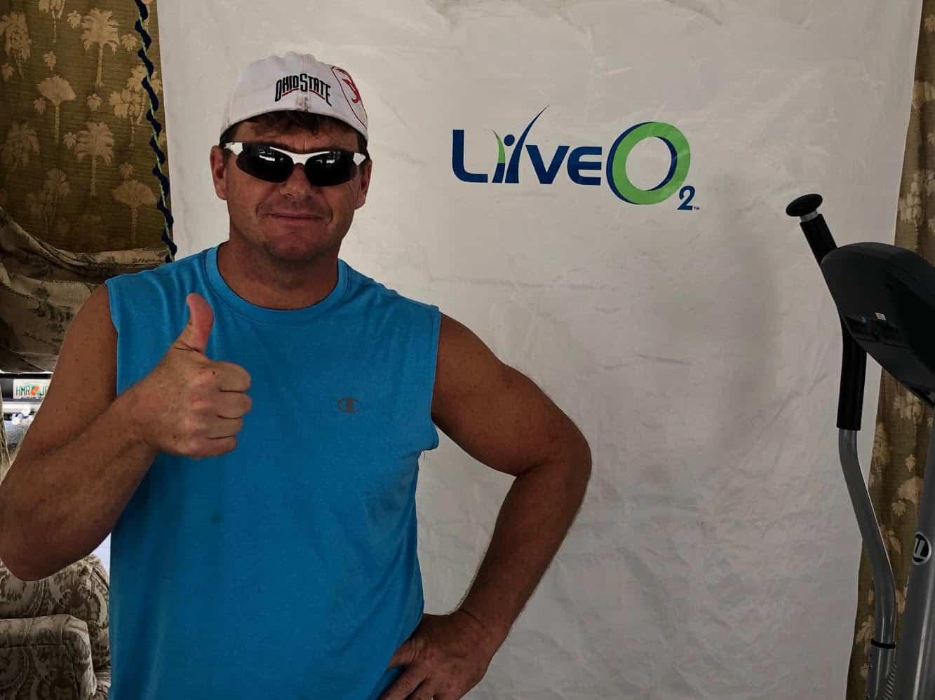 Jeff thumbs up LiveO2